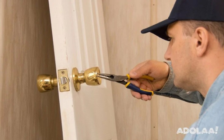 trust-sos-locksmith-to-offer-best-and-most-trusted-residential-locksmith-service-in-london-ontario-big-0
