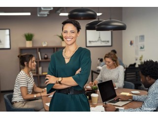 Become a strong leader with Professional Women Leadership Training